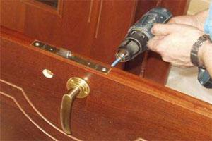 Ремонтируем двери